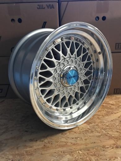 Lenso BSX 8,5 x 17Zoll ET30 4x108 Silber mit Festigkeitsgutachten
